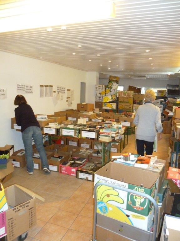 Tausende von Büchern für Bayerns grössten Bücherflohmarkt